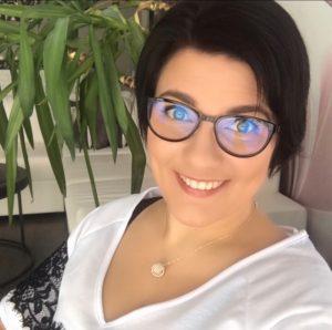Marika sisustussuunnittelijana yrityksessä Marikan SisustusStudio